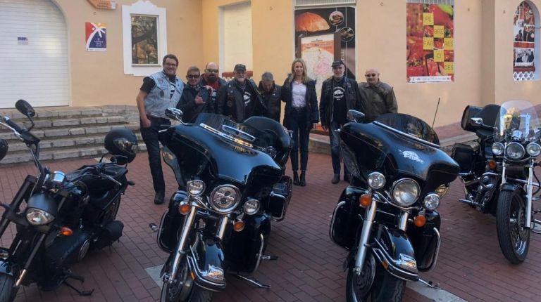 Las Harley- Davidson vuelven a pasear por las calles de Oliva